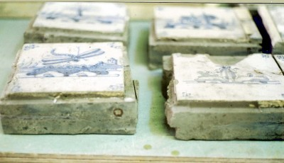 Delft tiles fixed to concrete